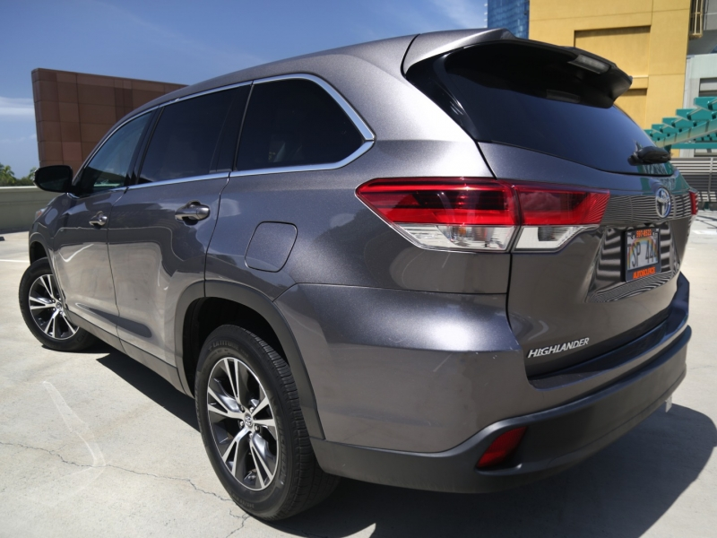 Toyota Highlander LE 3rd Row 2019 price $34,995