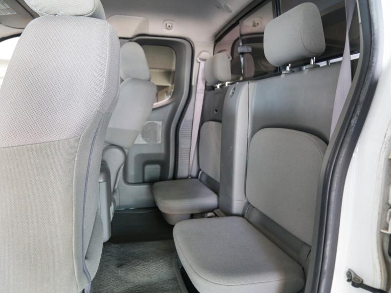 Nissan Frontier XE 2006 price $9,995