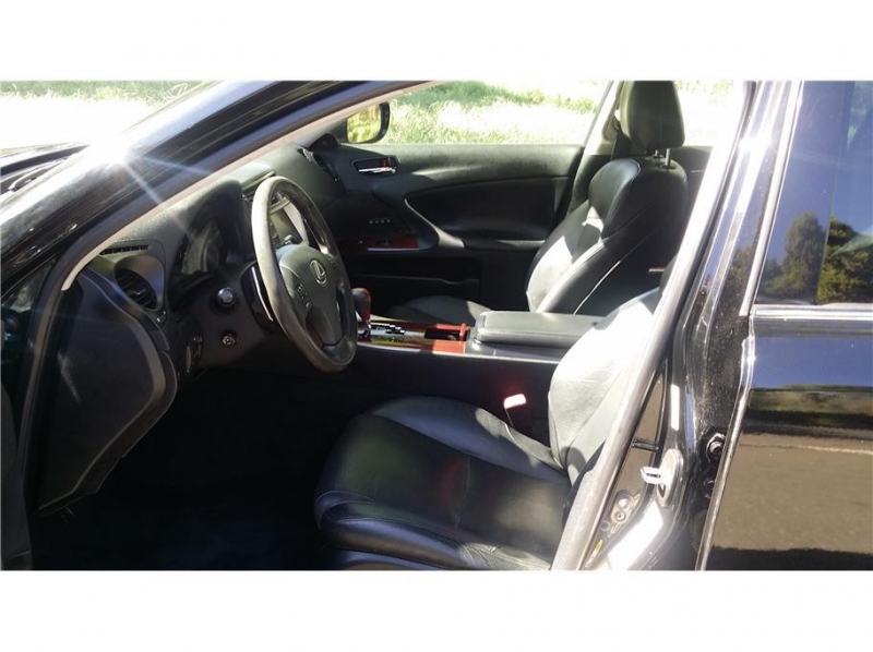 Lexus IS 350 2006 price $8,999