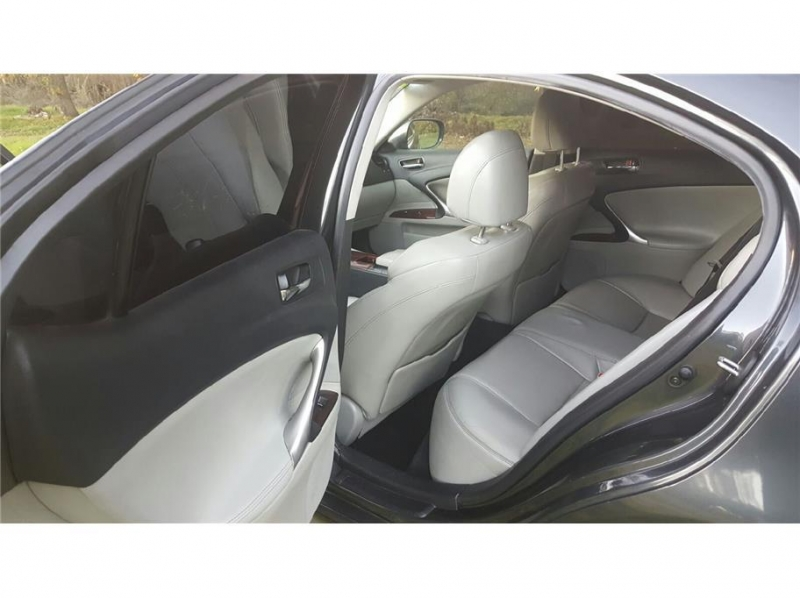 Lexus IS 250 2006 price $13,999