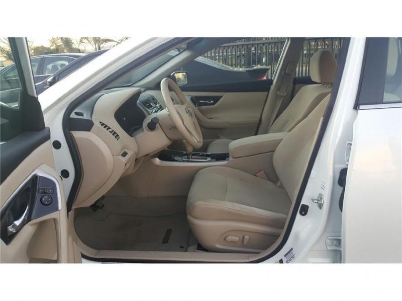 Nissan Altima 2014 price $11,999