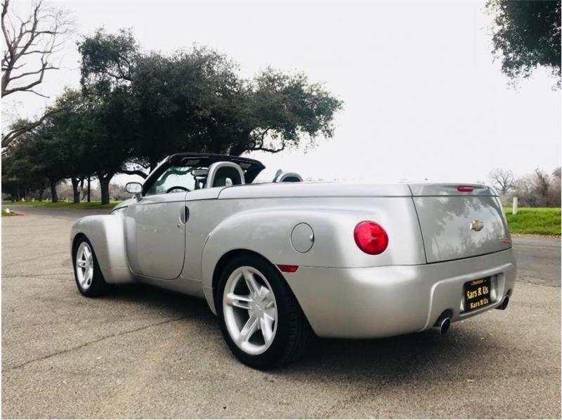 Chevrolet SSR 2004 price $17,999