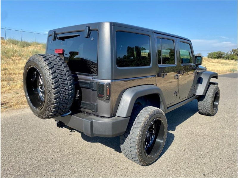 Jeep Wrangler Unlimited 2017 price $33,999