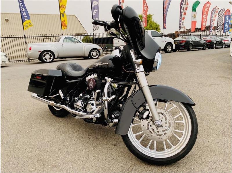 HARLEY DAVIDSON Street Glide 2007 price $10,999