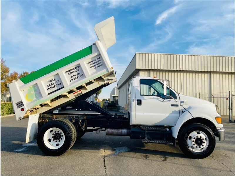 Ford F-650 Super Duty 2004 price $17,999