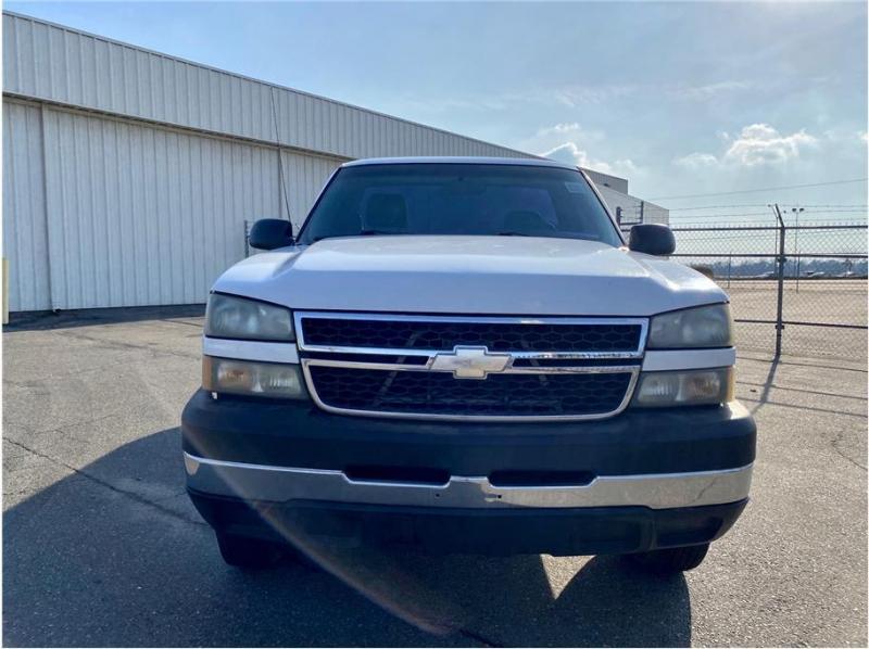 Chevrolet Silverado 2500HD 2006 price $7,999