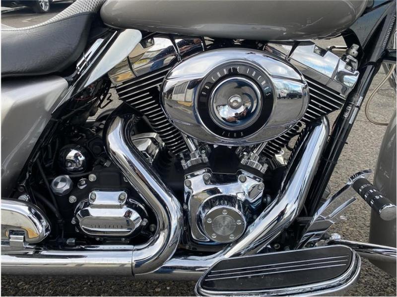 Harley Davidson Street Glide 2009 price $13,999