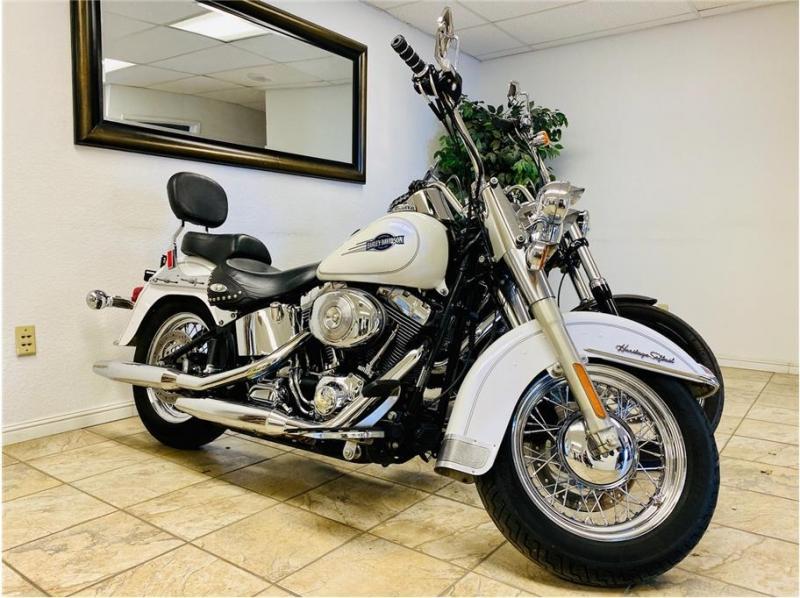 Harley Davidson Heritage Softail Classic 2005 price $8,999