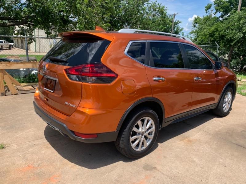 Nissan Rogue 2019 price $18,777