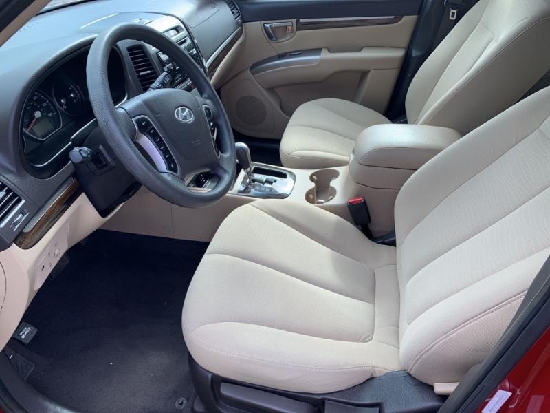 HYUNDAI SANTA FE 2012 price $7,999