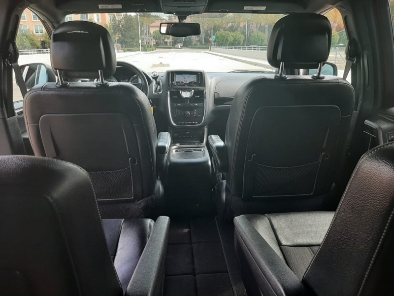 CHRYSLER TOWN & COUNTRY 2015 price $13,990