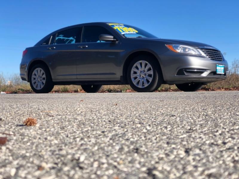 Chrysler 200 2012 price $7,999
