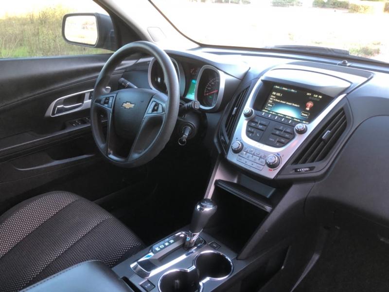 Chevrolet Equinox 2017 price $14,899