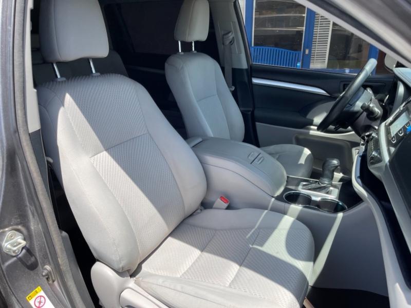 Toyota Highlander 2018 price $26,999