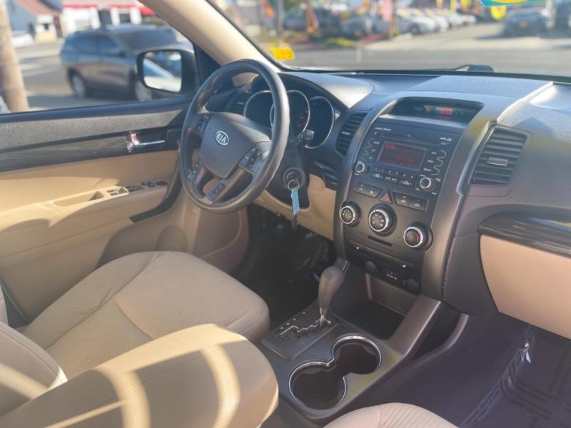 Kia Sorento 2011 price $0