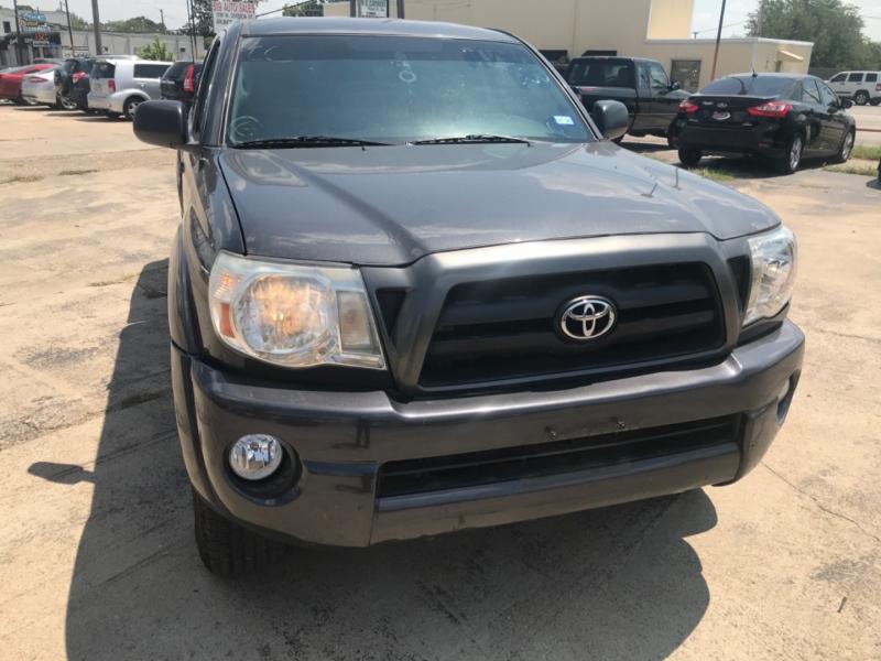 Toyota Tacoma 2011 price $11,000