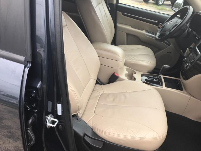 Hyundai Santa Fe 2011 price $7,000