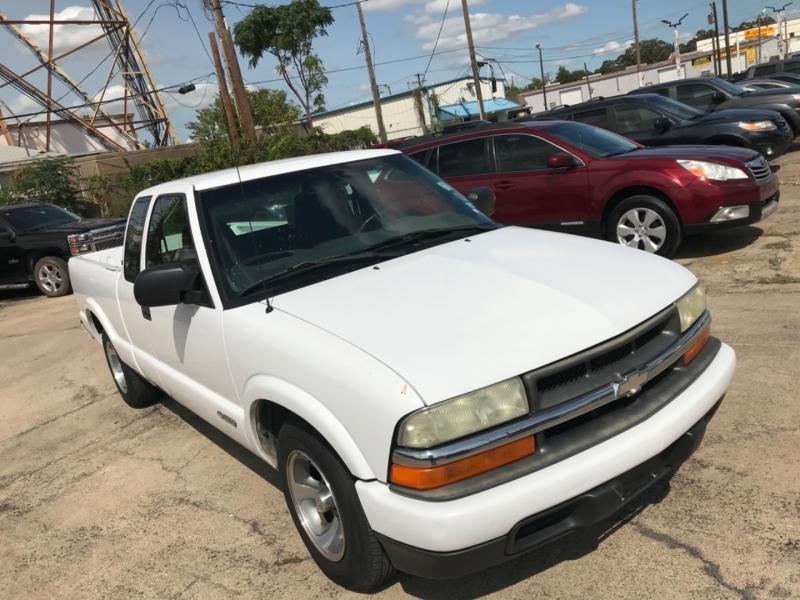 Chevrolet S-10 2003 price $6,000