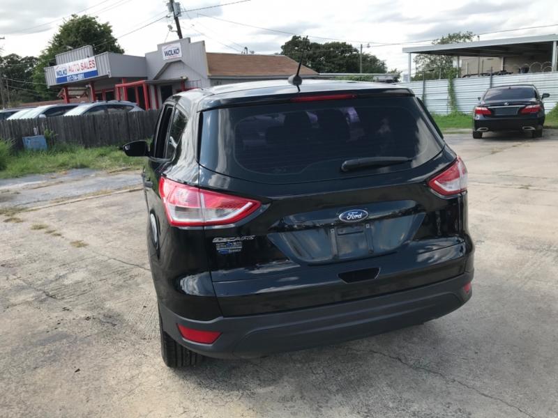 Ford Escape 2016 price $9,500