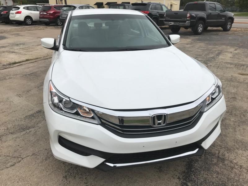 Honda Accord Sedan 2017 price $12,500