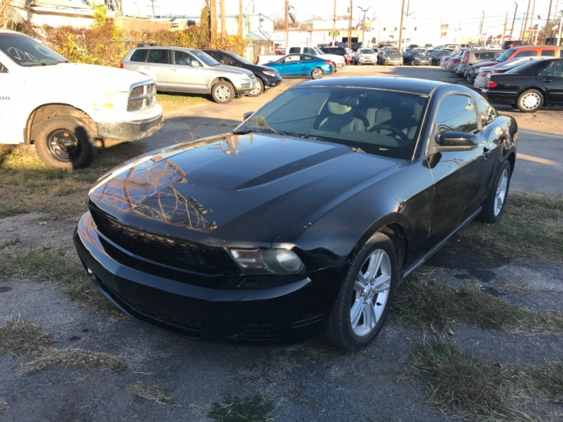Ford Mustang 2012 price $10,500