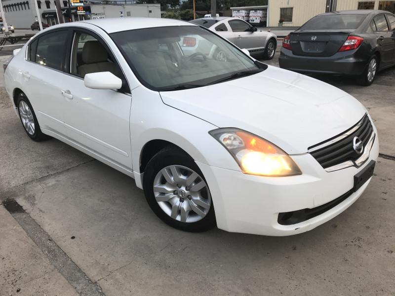 Nissan Altima 2009 price $4,900