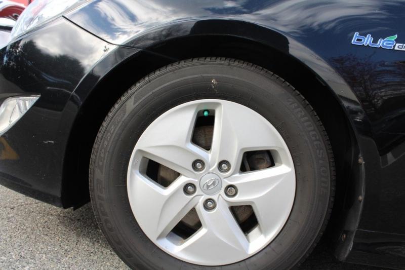 Hyundai Sonata 2011 price $7,889