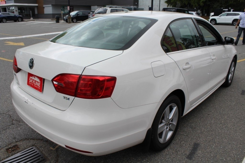Volkswagen Jetta Sedan 2013 price $10,889