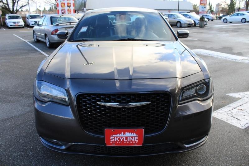 Chrysler 300 2017 price $23,889