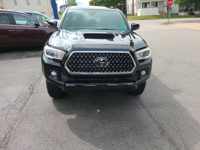 Toyota Tacoma 2018 price $38,979