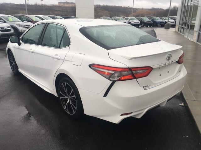 Toyota Camry 2018 price $16,979