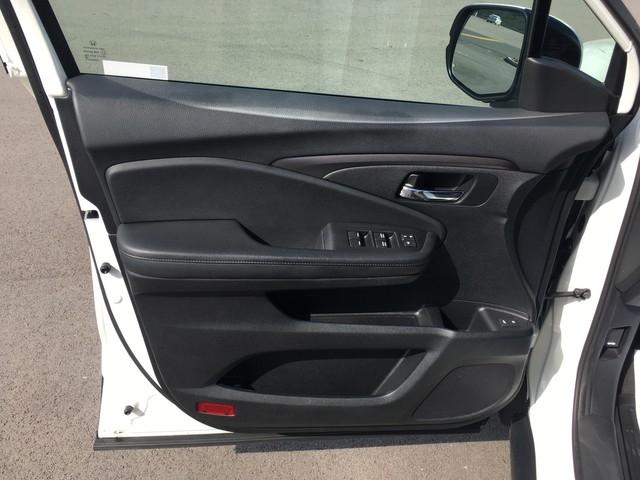 Honda Pilot 2018 price $31,979