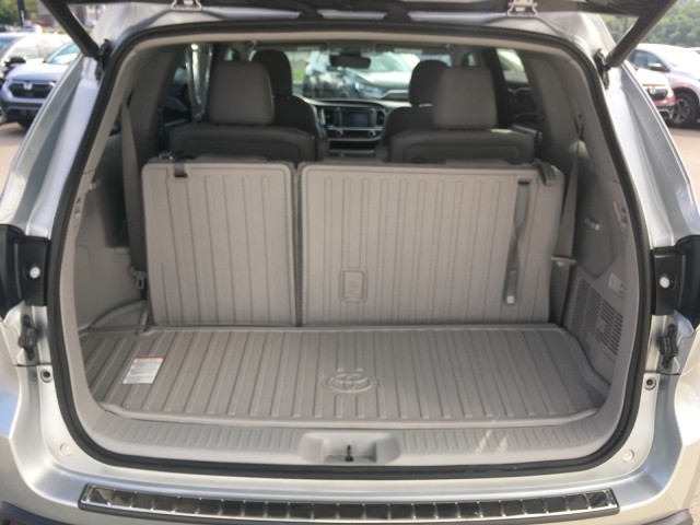 Toyota Highlander 2017 price $27,779