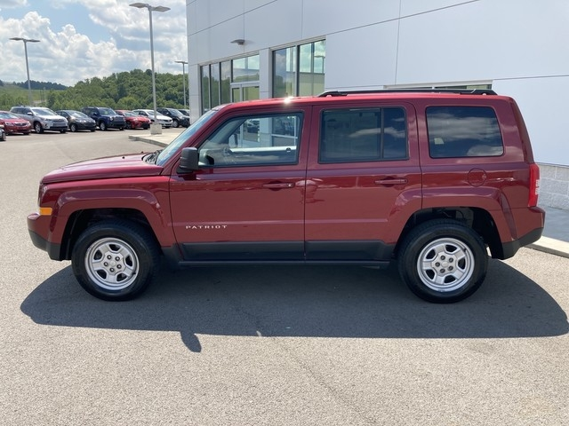Jeep Patriot 2017 price $13,979