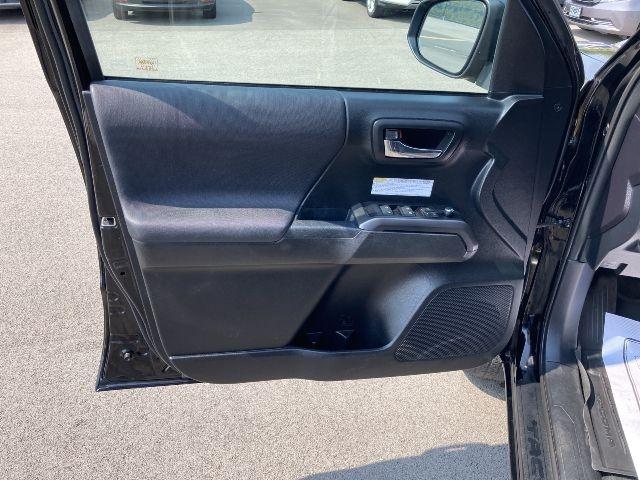 Toyota Tacoma 2017 price $31,500