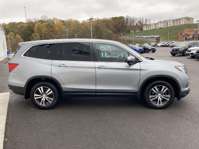 Honda Pilot 2017 price $28,979