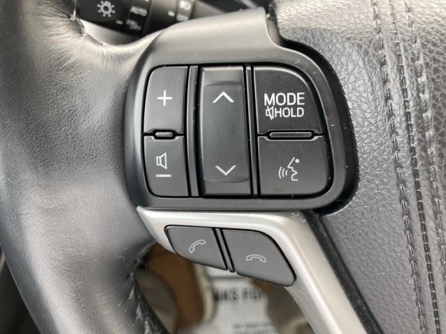 Toyota Highlander 2017 price $29,979