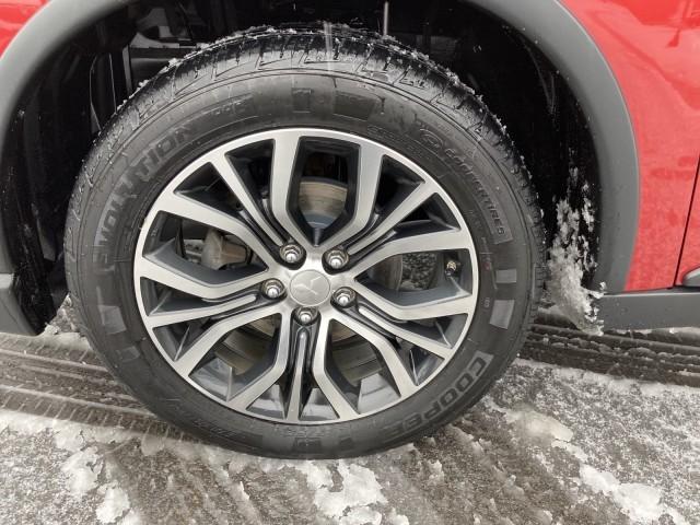 Mitsubishi Outlander 2017 price $14,979