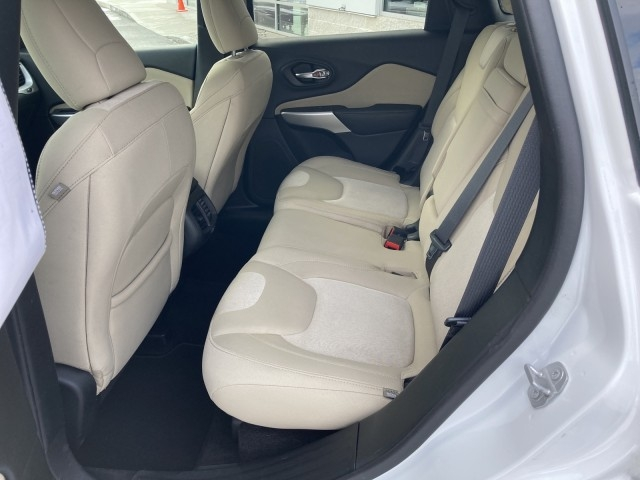 Jeep Cherokee 2018 price $19,979