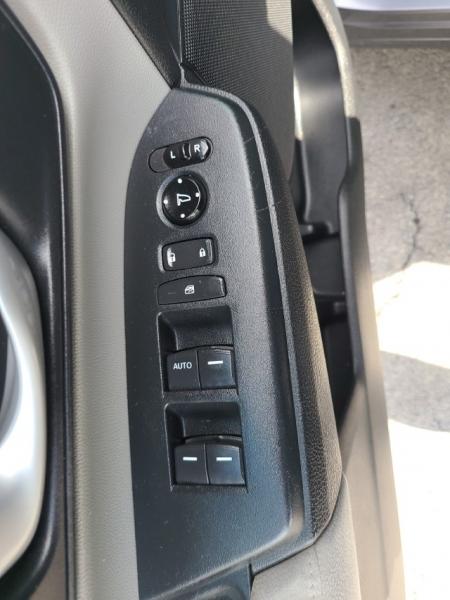 Honda CR-V 2017 price $18,979