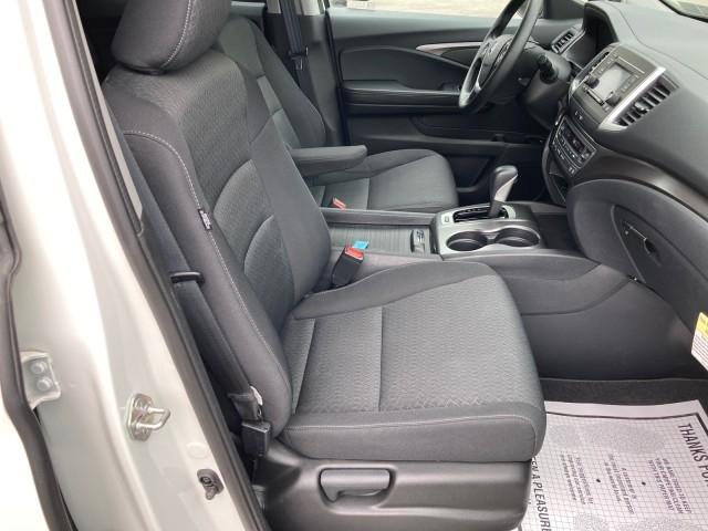 Honda Ridgeline 2019 price $33,979