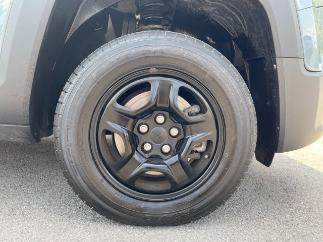 Jeep Renegade 2017 price $21,979