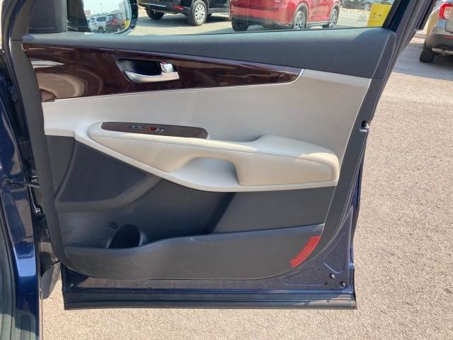 Kia Sorento 2017 price $22,979