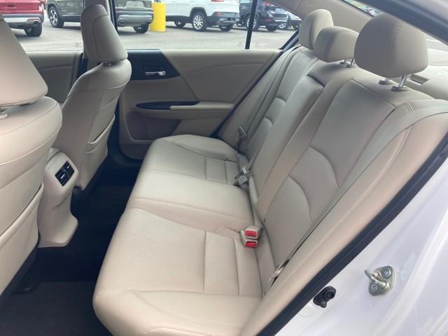 Honda Accord Sedan 2015 price $19,979