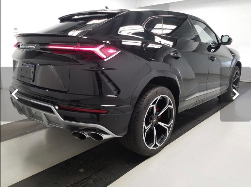 Lamborghini Urus 2019 price $279,900