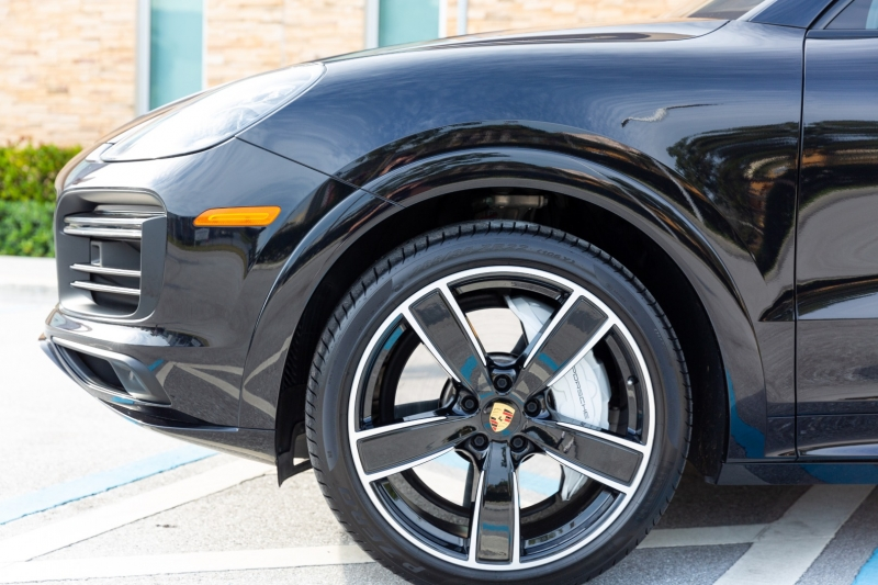 Porsche Cayenne Turbo 2019 price $132,595