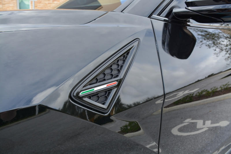 Lamborghini Urus 2020 price $262,500