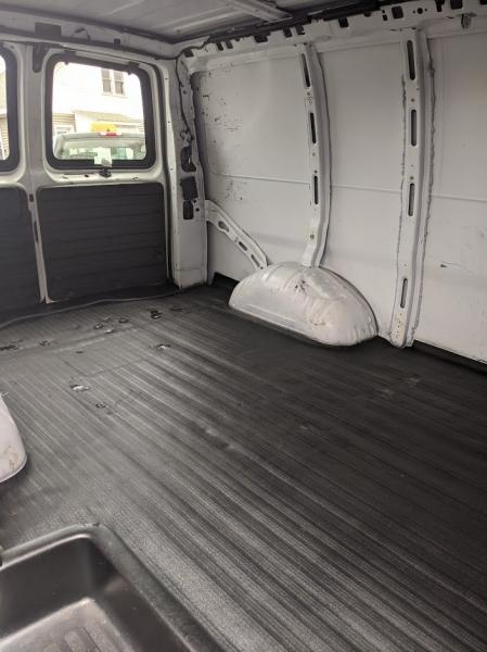 GMC Savana Cargo Van 2010 price $7,995