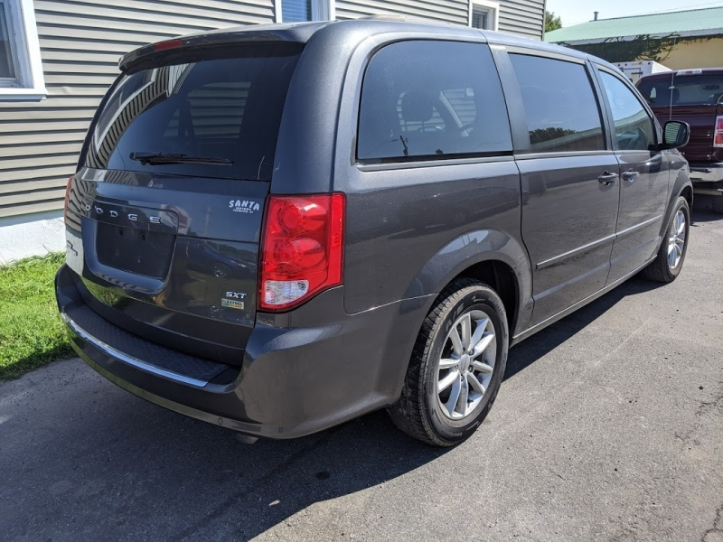 Dodge Grand Caravan 2016 price $9,495