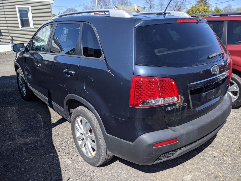 Kia Sorento 2011 price $6,995